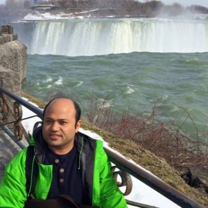 """Niagara falls - A day off for my """"Tour de Ontario"""" with Dr. Satyendra Sharma after 8 days of the Review course."""