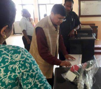 Health minister visits SIRC