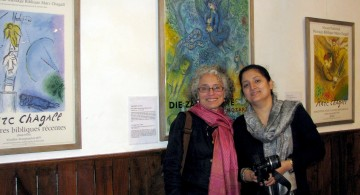 Claire with SIRC director Esha Thapa at the Chagall exhibition